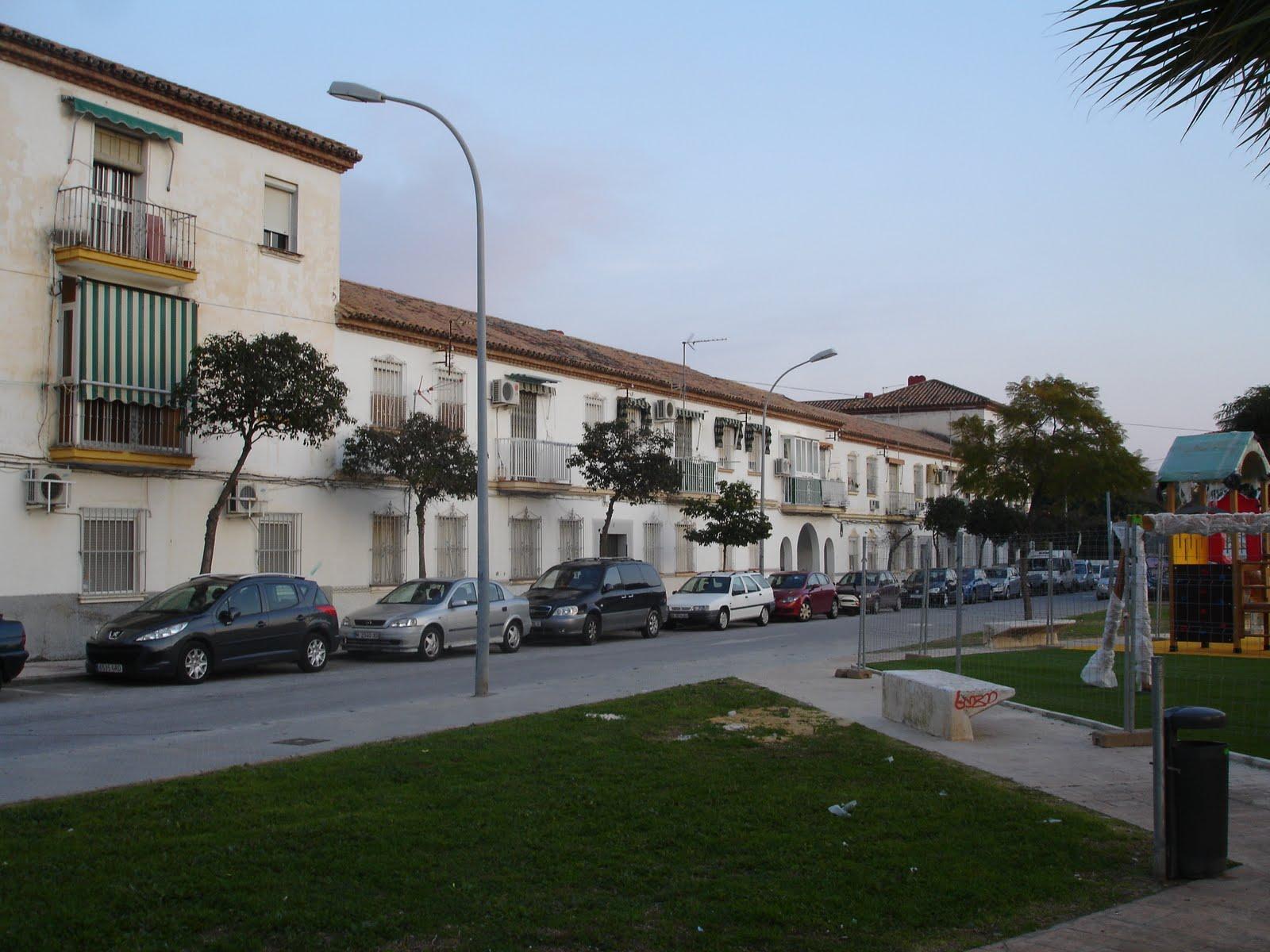 Populares m laga ciudad jardin los arcos en la entrada for Distrito ciudad jardin