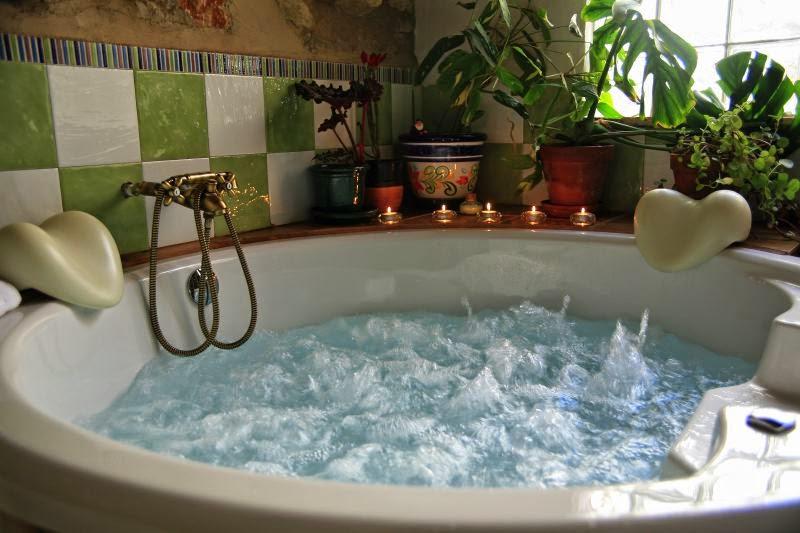 Bathtub kamar mandi rumah mewah