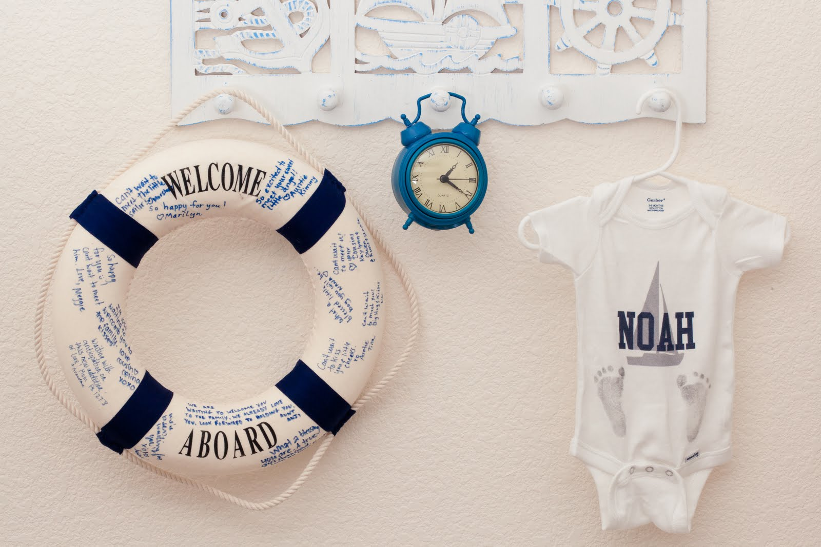 Growing up gardner noah 39 s nautical nursery for Baby shower nautical decoration