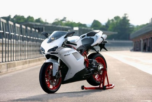Download LPO: 2012 Ducati 848 EVO Base Review, Photos, Specs