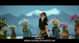 Ileana Navel exposed