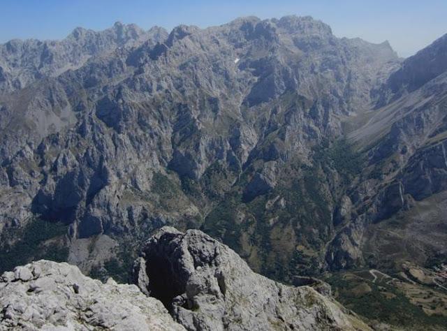 Torres de Arestas por Horcada Pambuches