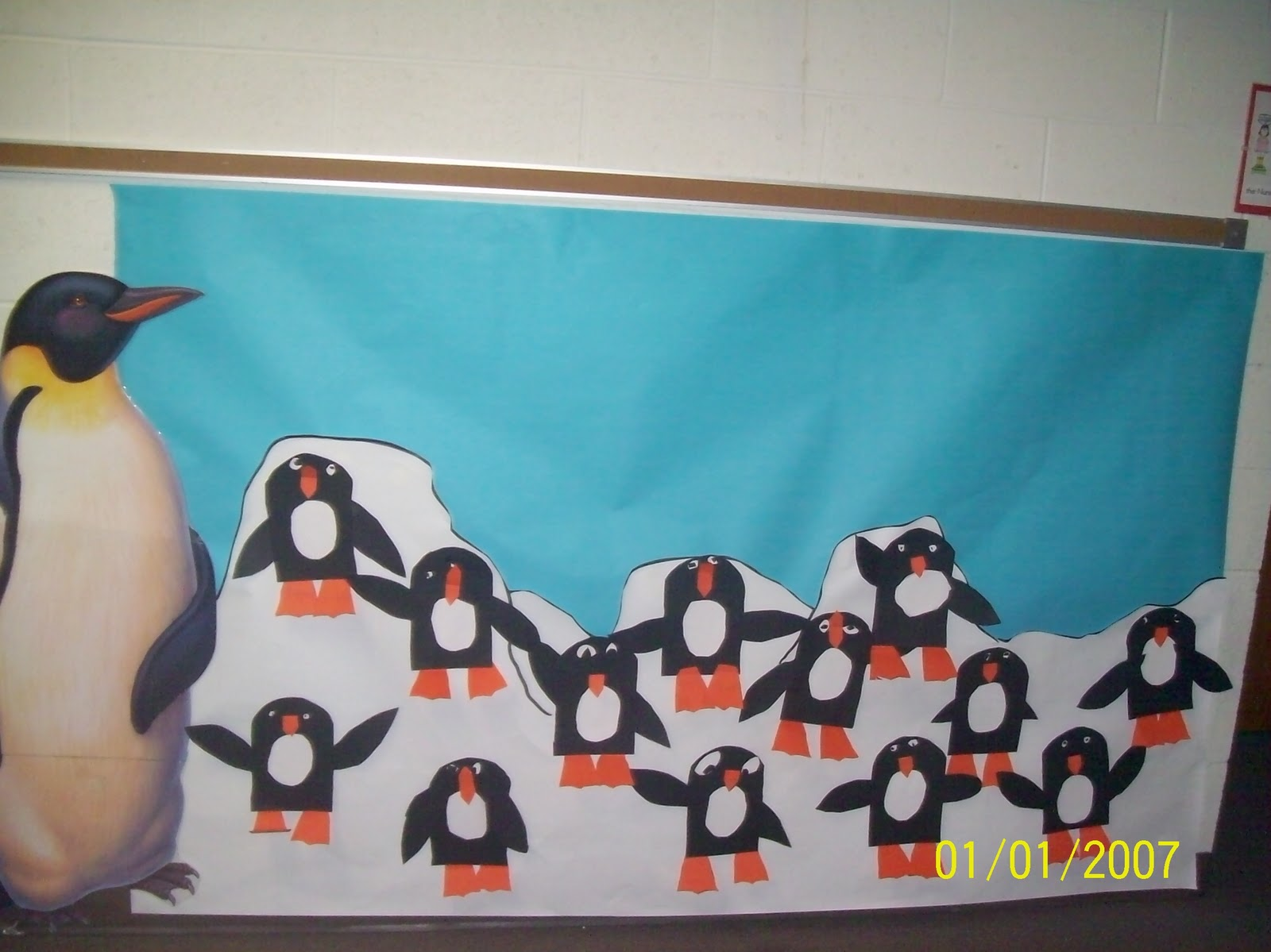 Mrs straight 39 s kindergarten korner penguin projects for Penguin project