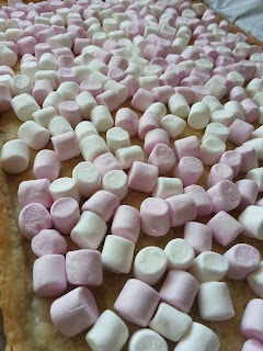 Marshmallows and pastry