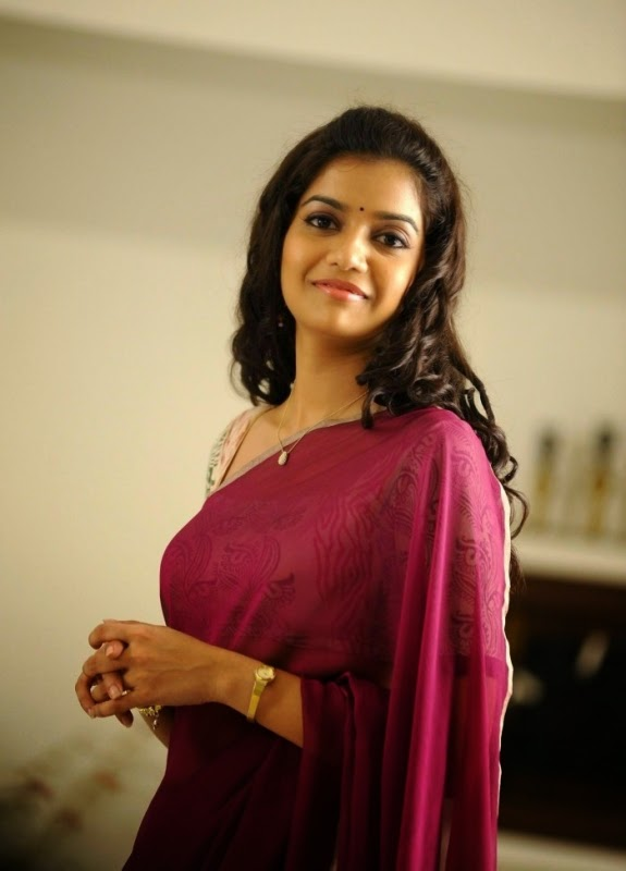 Swathi Reddy Saree Looks Hot – Tamil Actress