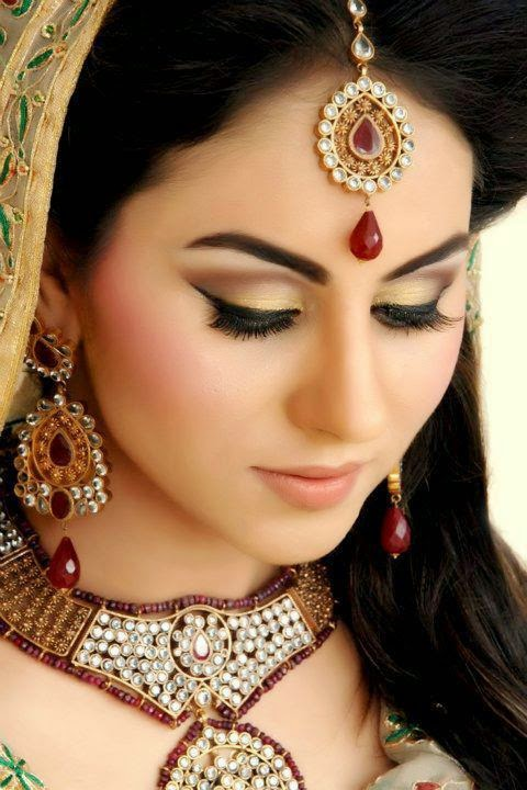 Beautiful Bridal Makeup : Free Download HD Wallpapers: Beautiful Pakistani Bridal ...