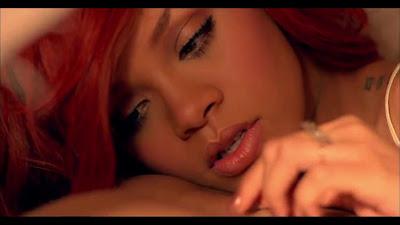California King Beds on Do Video Da Rihanna    California King Bed    Totality Design Tvo