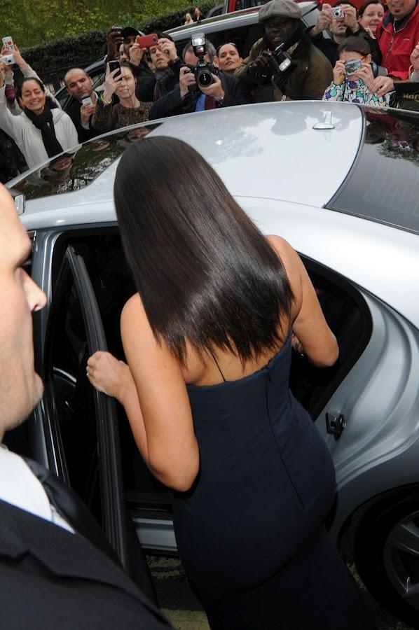 KIM KARDASHIAN gets out of the car