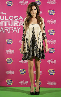 2011Ashley-Tisdale-on-madrid-02.jpg