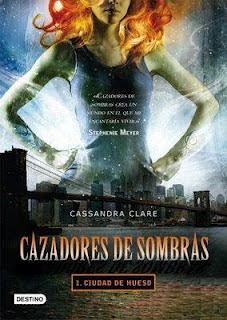 http://libroataque.blogspot.com.es/2012/03/cazadores-de-sombras-ciudad-del-hueso.html
