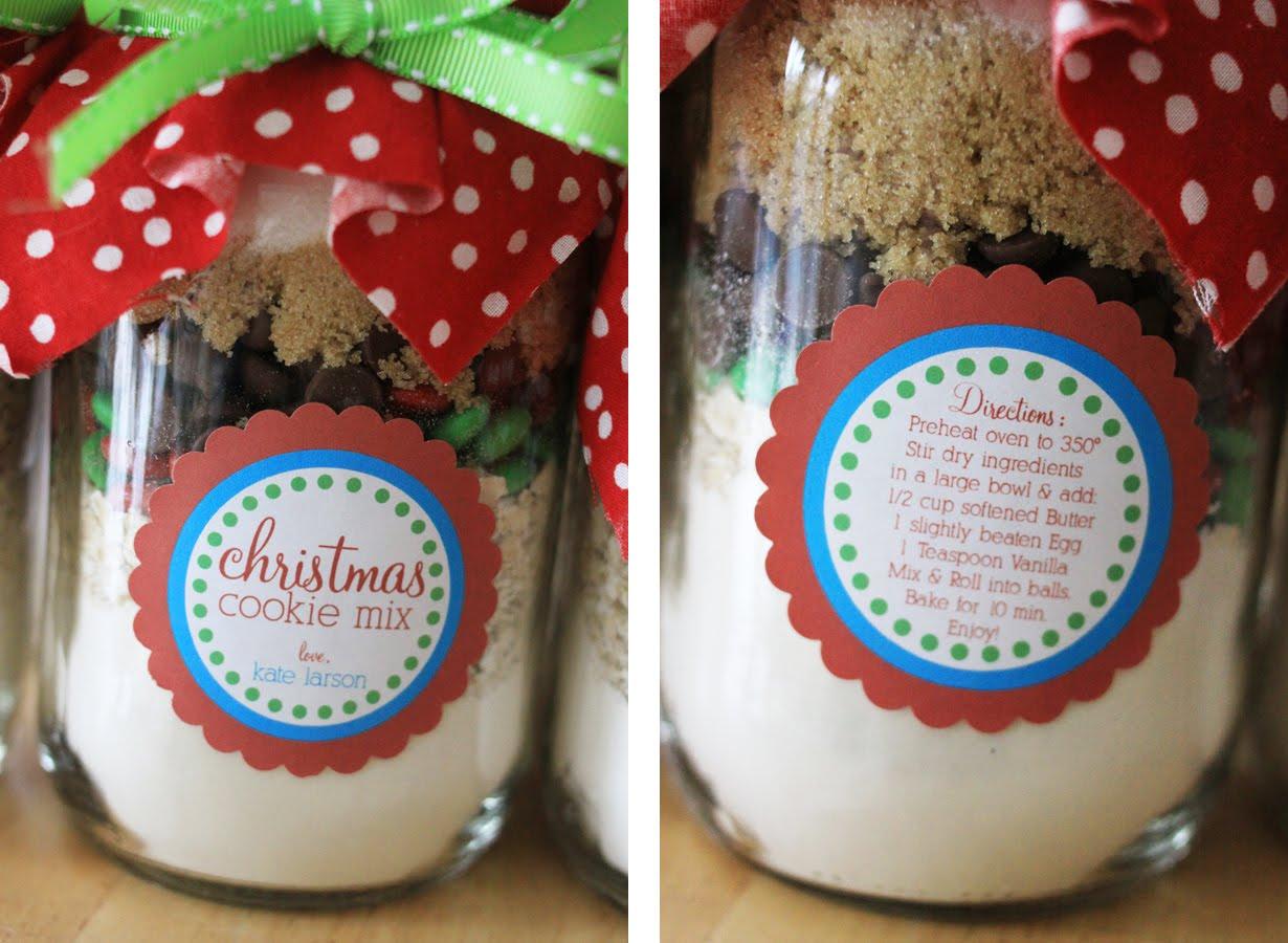 The Larson Lingo: Christmas Cookies in a Jar + {Free Printable}