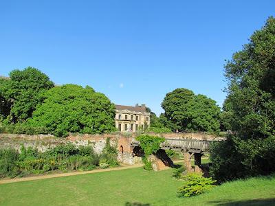 garden, Eltham Palace, bridge, visit, England, English Heritage