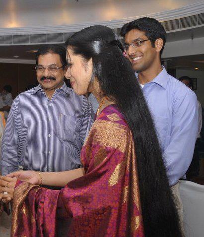Kerala long hair girl in Indian software firm