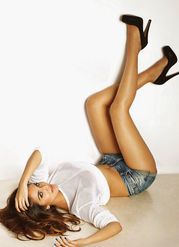 Vaani-Kapoor-FHM-India-Magazine-2014-see-through-white-top-denim-shorts