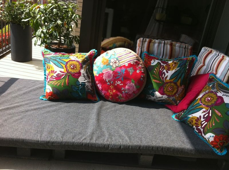 Crea y decora en madera espacios chill out para la for Espacios chill out