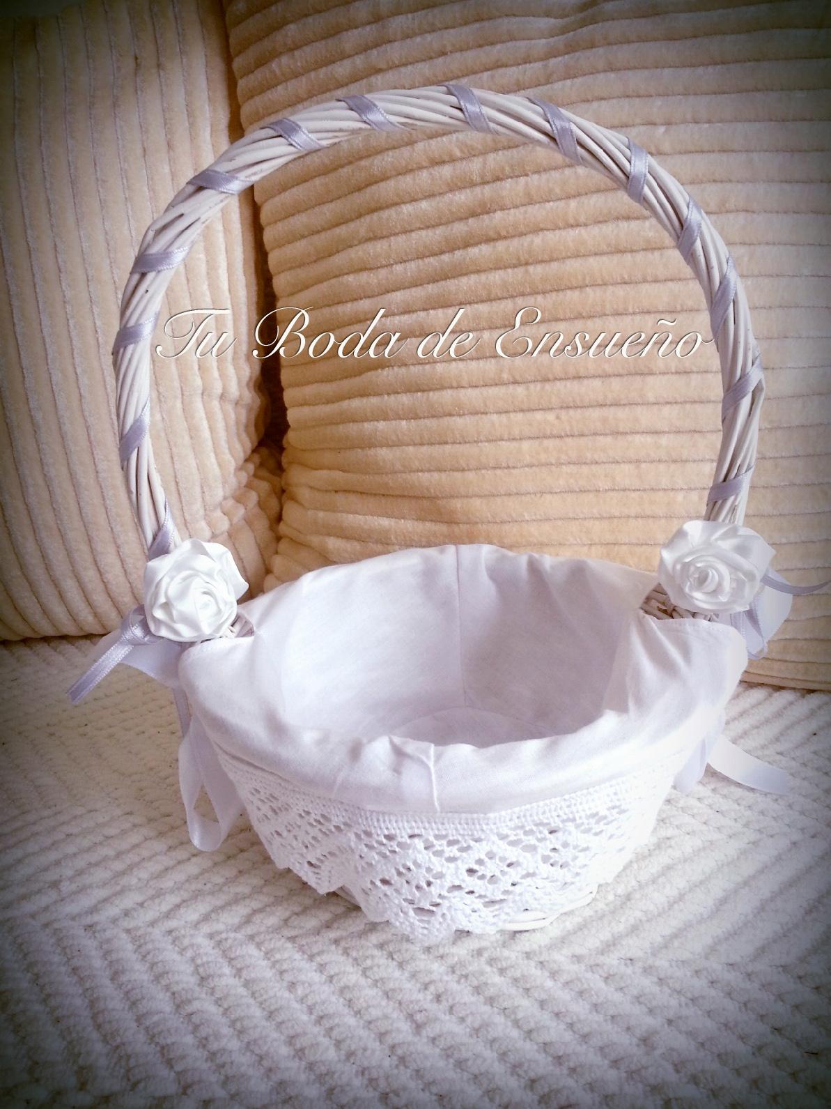 perfecta para llevar las arras y también se puede utilizar como cesta