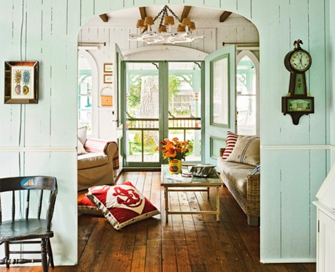 Nautical cottage decor ideas from a cozy home completely for Cozy cottage home designs