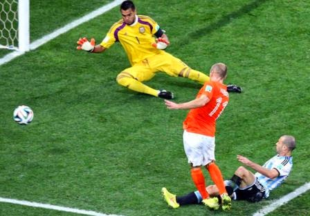 belanda-vs-argentina-semi-final-piala-dunia-2014