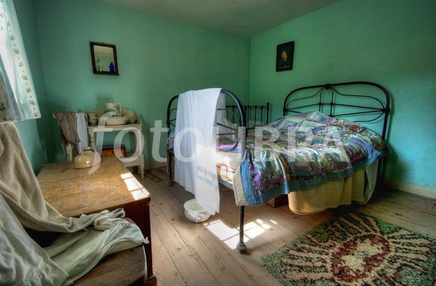 Great deals on bathroom suites uk bedrooms new kastopo for Cheap bedroom suites deals