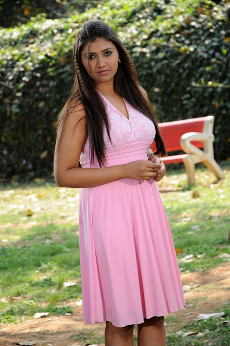 yagna shettyramya barna panchamruta movie cute stills