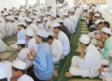 PELAJAR MAAHAD TAHFIZ WAL TARBIYYAH DARUL IMAN (MTT) SOLAT HAJAT UNTUK KERAJAAN ISLAM MESIR.