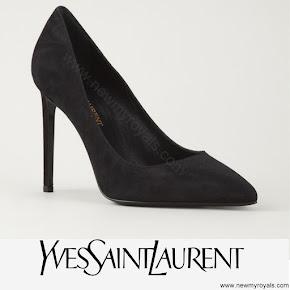 Princess Sofia style YVES SAINT LAURENT Paris pumps