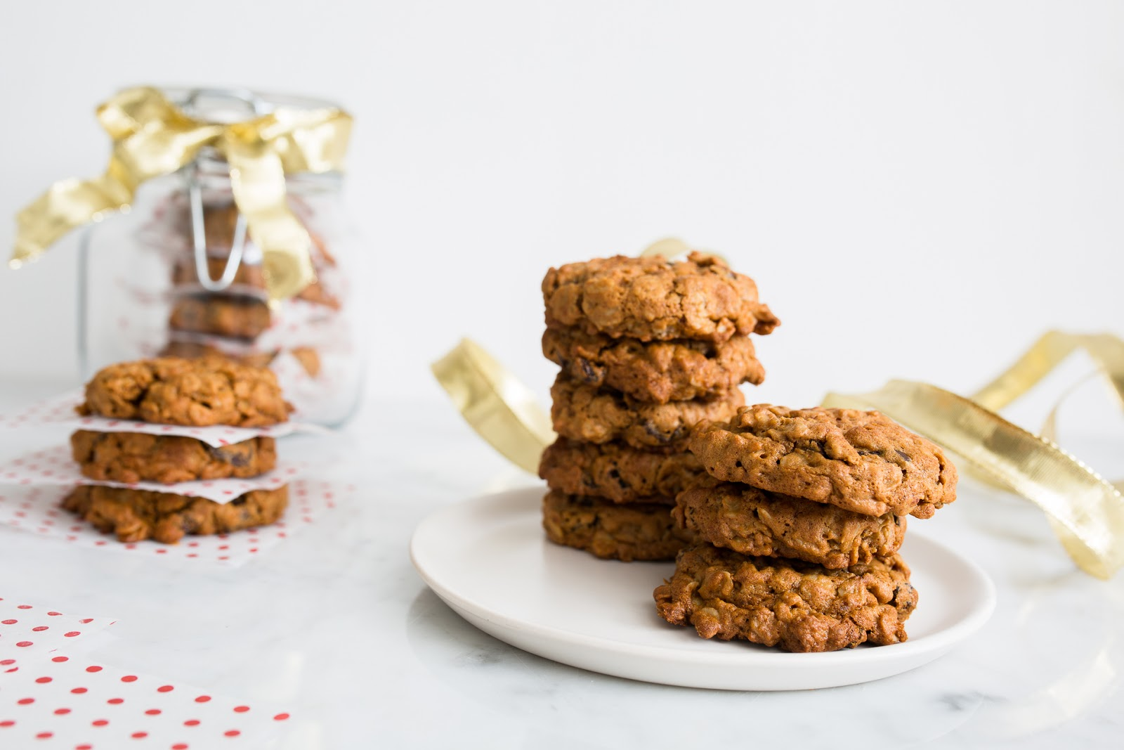 Peanut Butter Oatmeal Cookies / seeandsavour.com