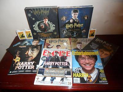 http://1.bp.blogspot.com/-PoaCPJYBGss/Tj7mr5jlHAI/AAAAAAAABVU/sBfnwpUxqR8/s1600/Harry+Potter+Collection+Related+Books+and+Magazines.JPG