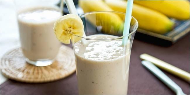 Resep Smoothies Buah Pisang Almond Sehat dan Mudah