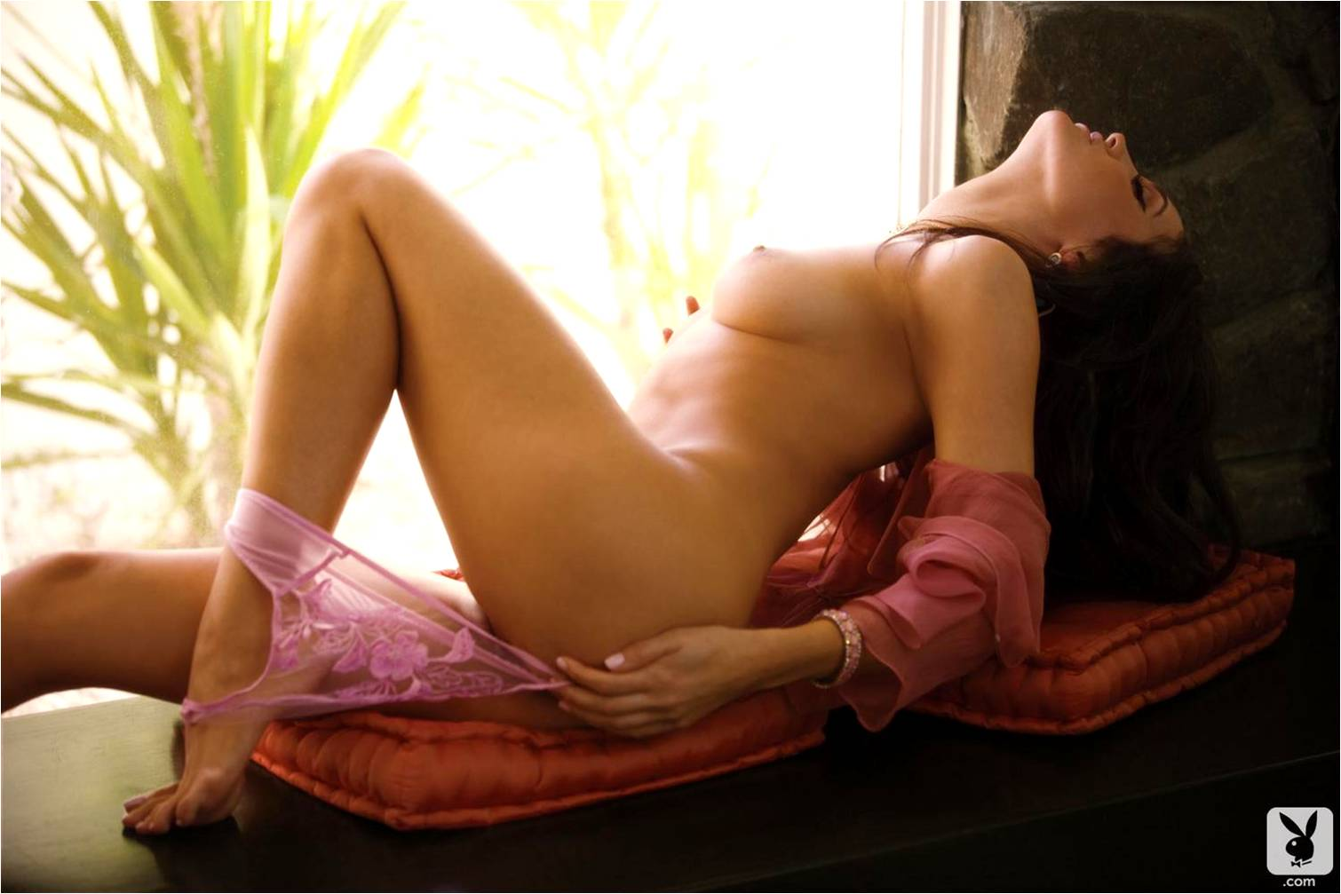 http://1.bp.blogspot.com/-Pozk_PcmFt8/T7V4epzFJMI/AAAAAAAABMw/noII_IpaB10/s1600/Jaclyn+Swedberg+PM07.jpg