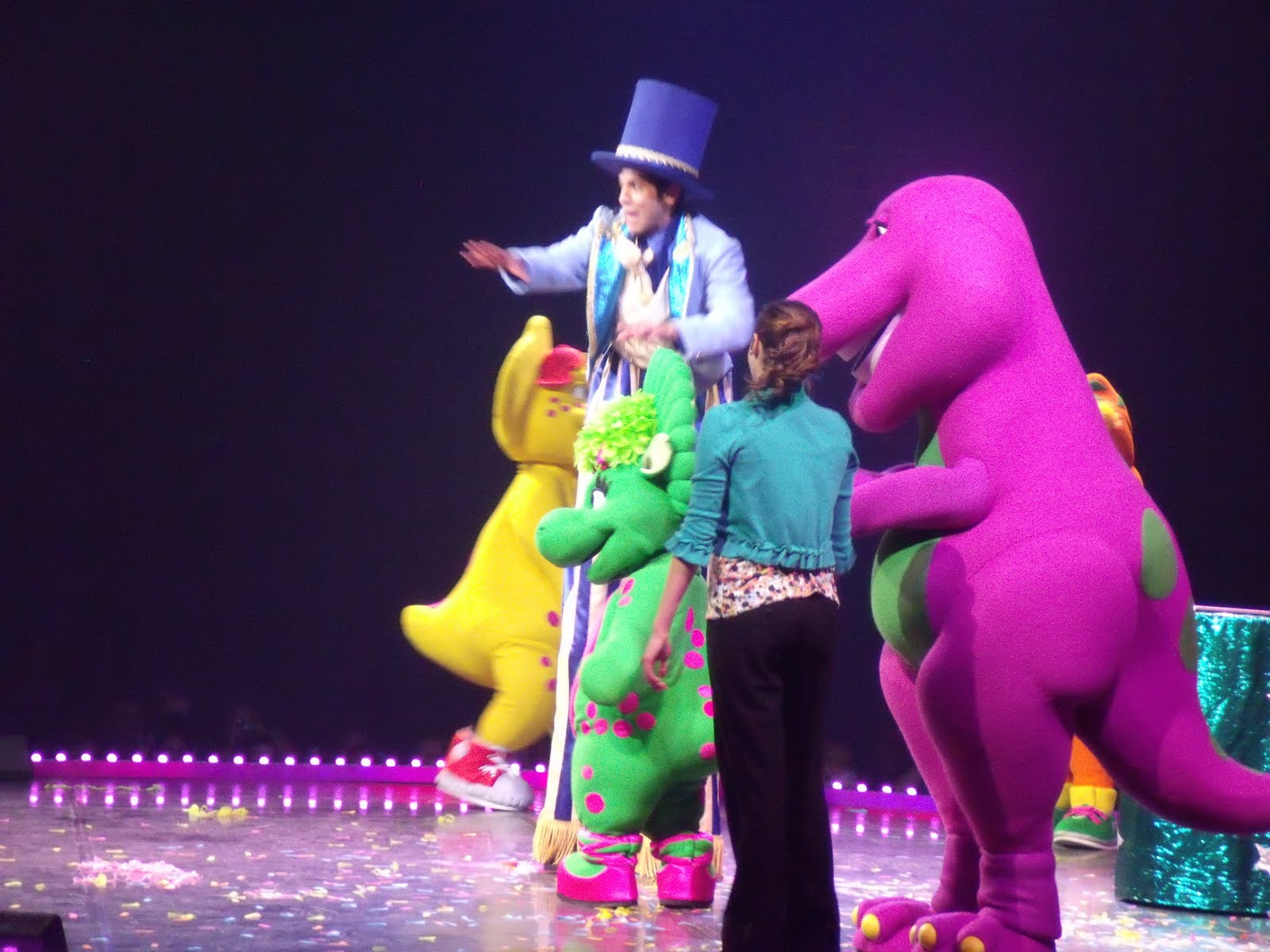 One Savvy Mom NYC Area Mom Blog Barney Live In Concert - Barney live in concert birthday