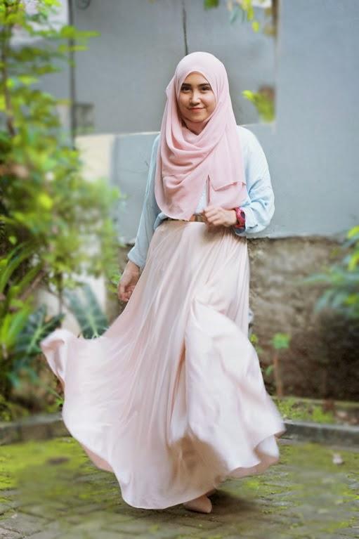 Tema Busana Pesta yang Cocok untuk Wanita Muslimah 2014