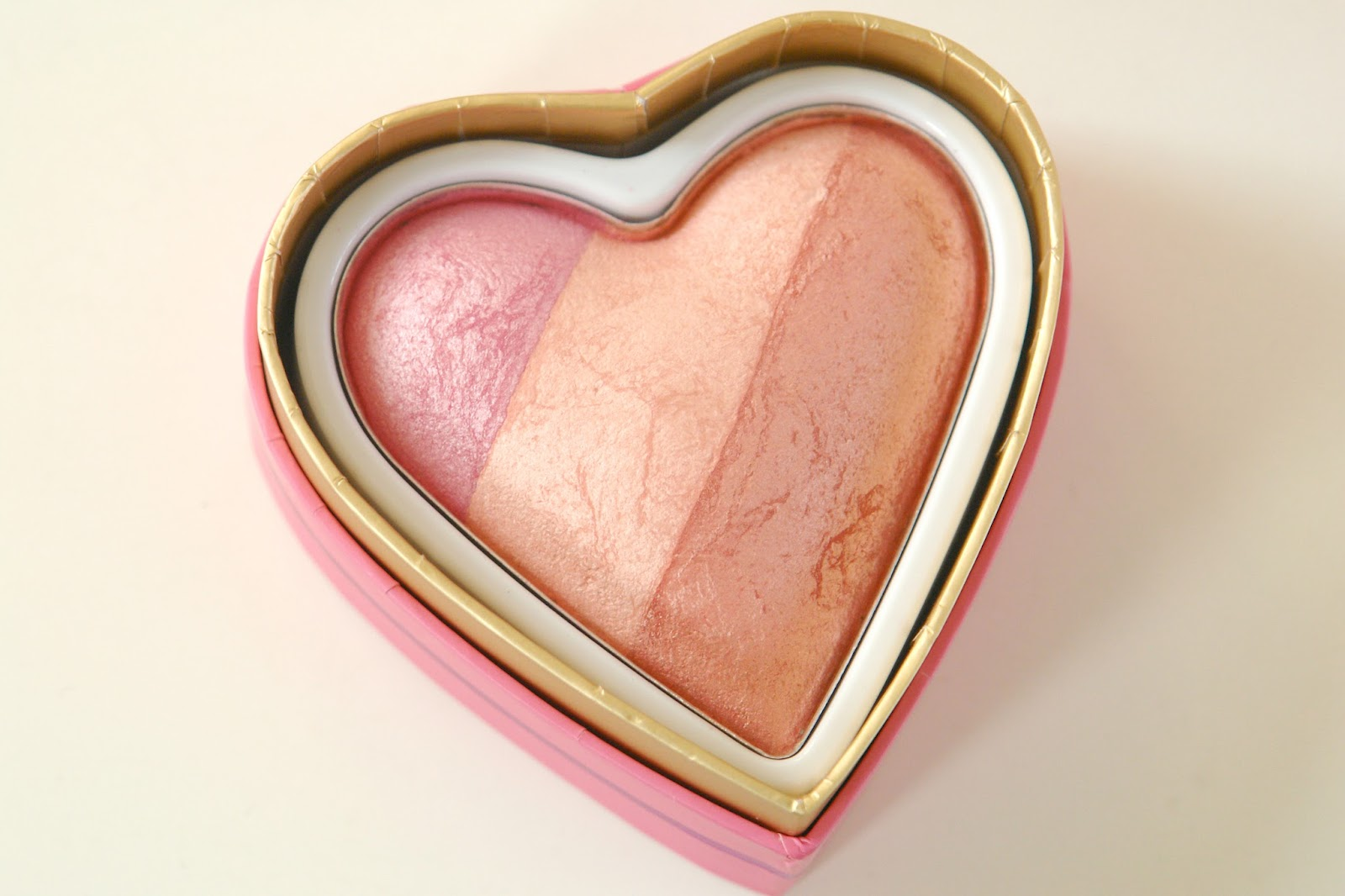 Makeup Revloution I ♡ Makeup Blushing Heart in Candy Queen of Hearts review, Makeup Revolution, make up, blusher, beauty, review, swatches, blogger