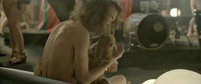 Sebastien Tellier, Cochon Ville, Alex Courtès, mesias, sexo, parafilia, filia, tetas, pechos, desnudo, tias desnudas, fieston, fiesta, misa, sexy, guarra, nazareno, años setenta, 70's, bizarro, éxtasis, gozo, gozar, flipar, colocarse