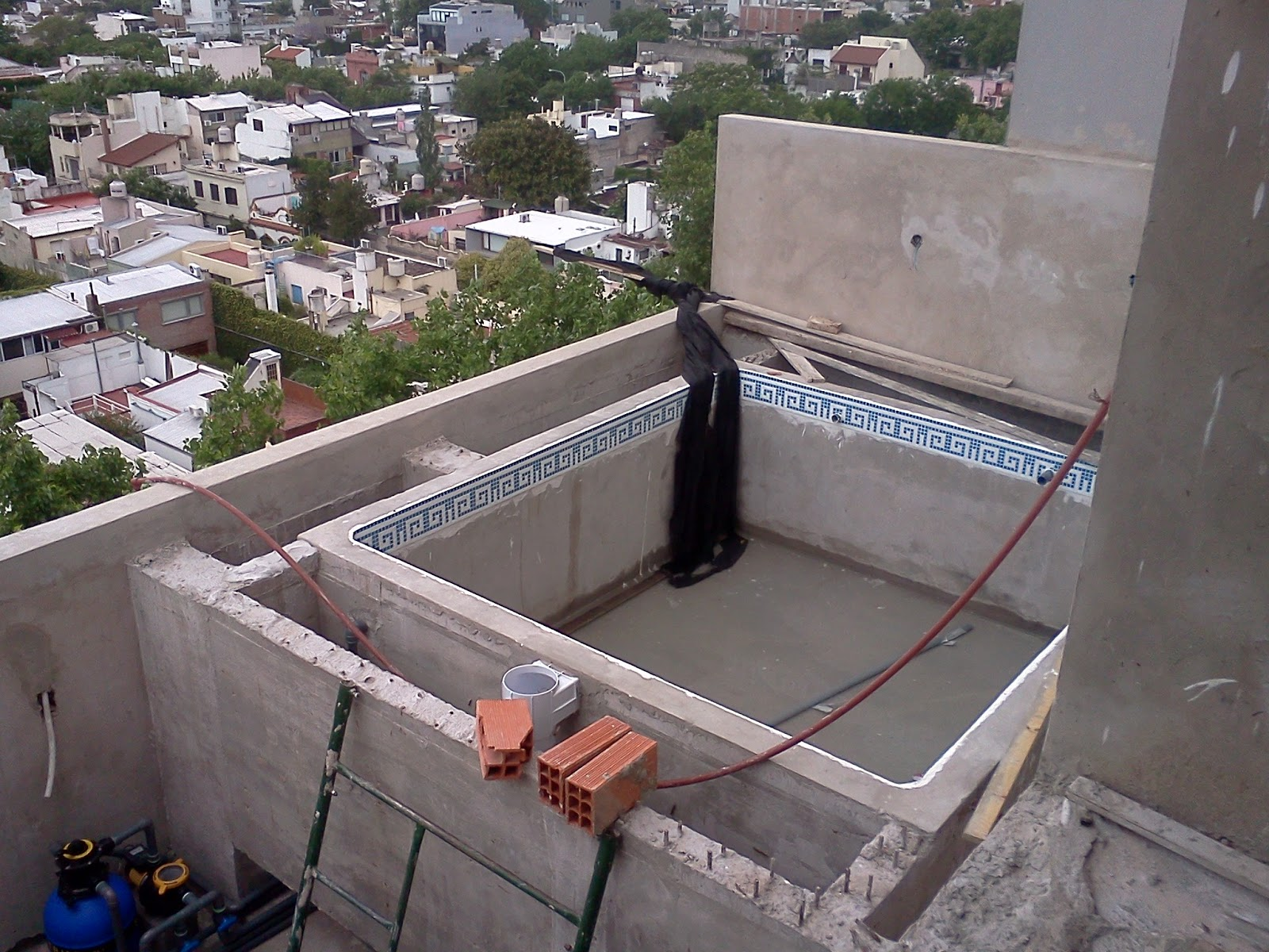 Construcci n de piscinas en terrazas y azoteas - Piscinas en terrazas ...