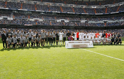 Real Madrid vs Juventus players official photo Heart Classic Match 2013