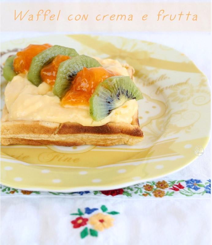 waffel dolci con crema e frutta (senza glutine né zucchero)