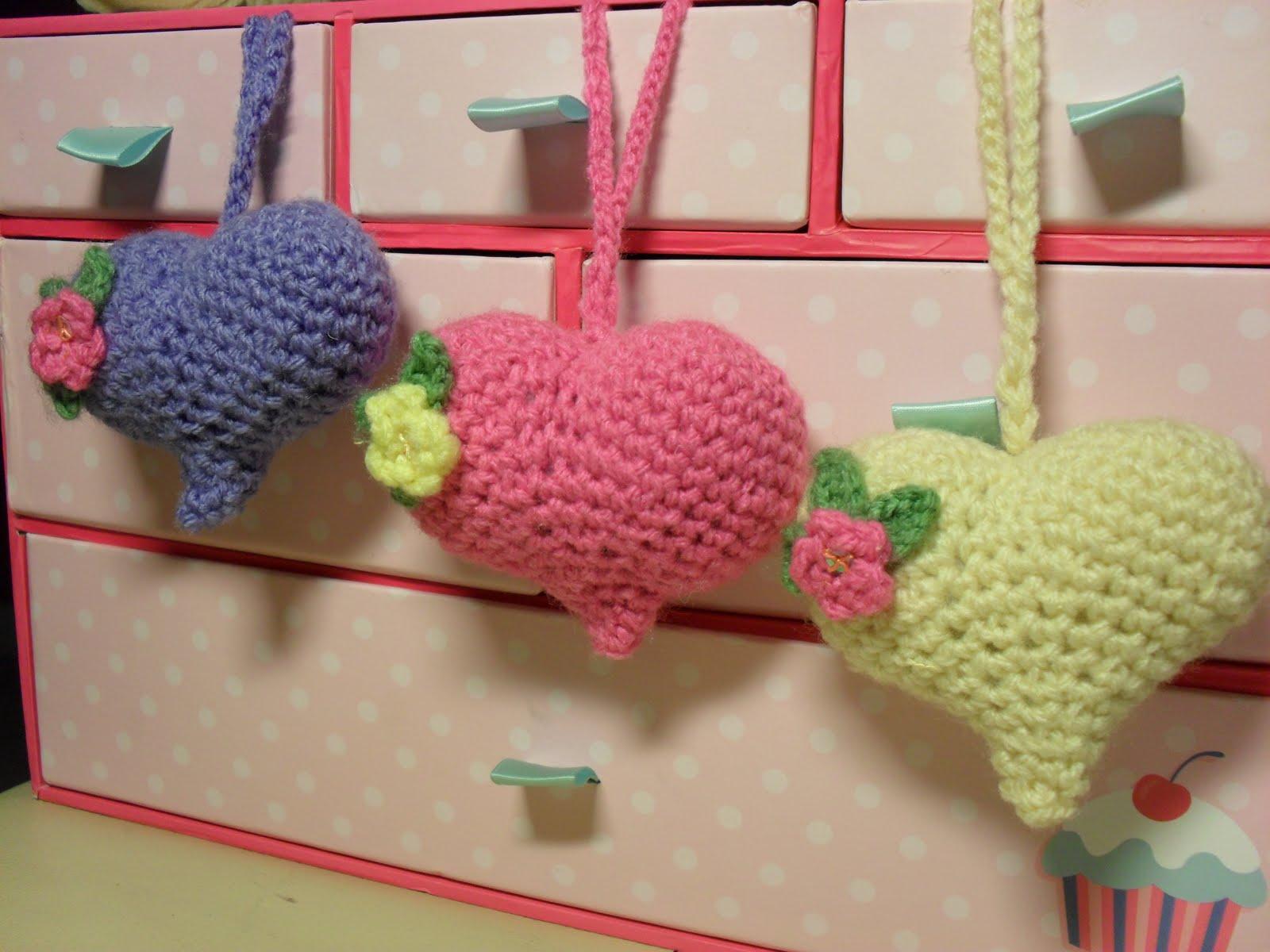 Amigurumi Keychain Pattern Free : Amigurumi Barmy: Heart pattern