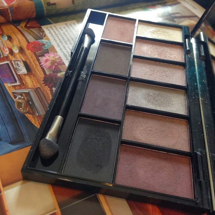 MUA pretty edgy eyeshaow palette, colours, eye shadow