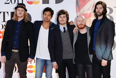 lorenzo sillito with the temper trap