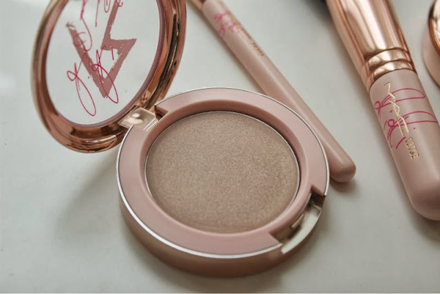 MAC RIRI ♥ Diamonds Cream Colour Base