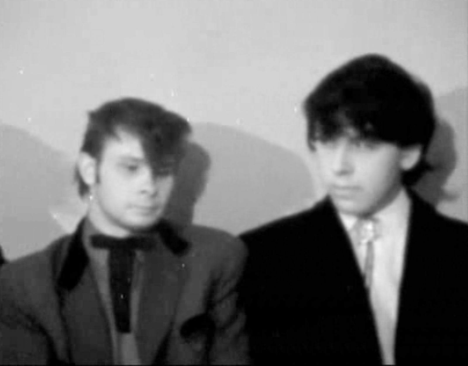 http://1.bp.blogspot.com/-PqP0iOF7hlM/Ta1KwLjBJJI/AAAAAAAAJOU/LZlt8AizqDA/s1600/Mods-Rockers-1964-photography-www.lylybye.blogspot.com_13.png