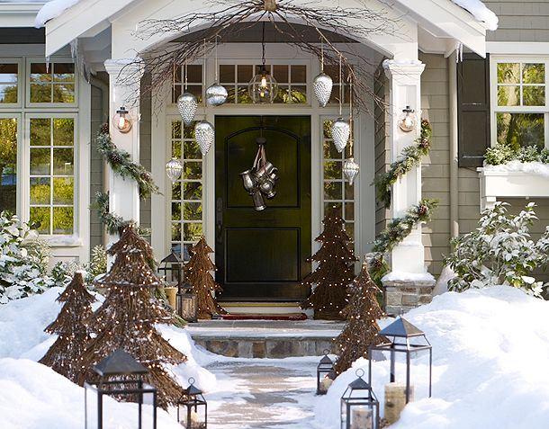 Pottery Barn Christmas Front Door 610 x 477