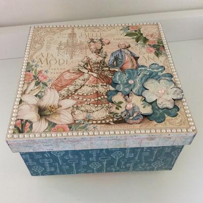 wooden-box-vintage