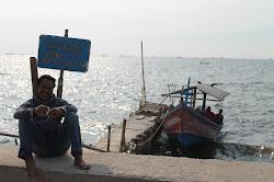 Nasib Nelayan Marunda menjadi Ojek Kapal