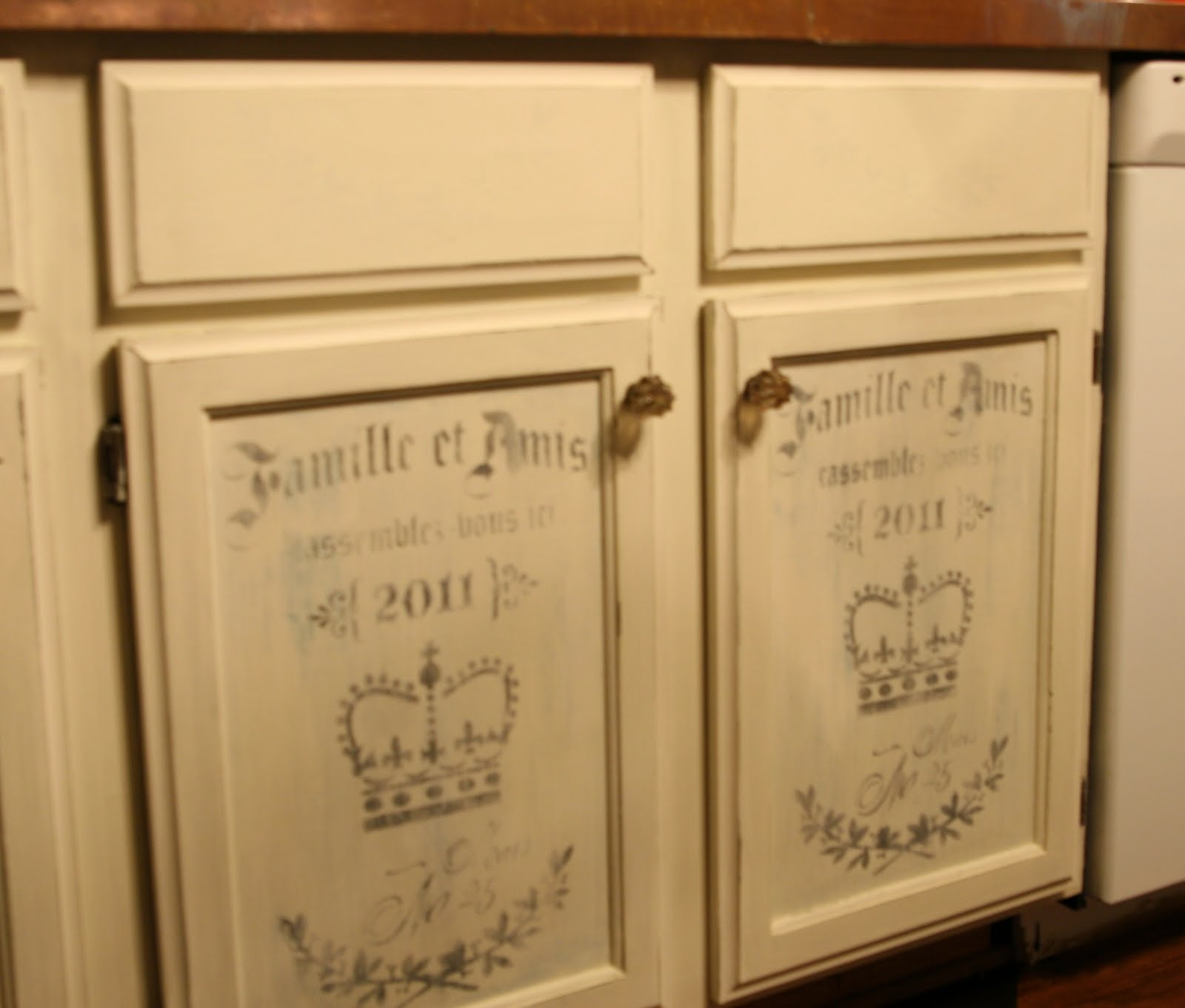 chalk paint kitchen cabinets chalk paint kitchen cabinets Chalk Paint Kitchen Cabinets