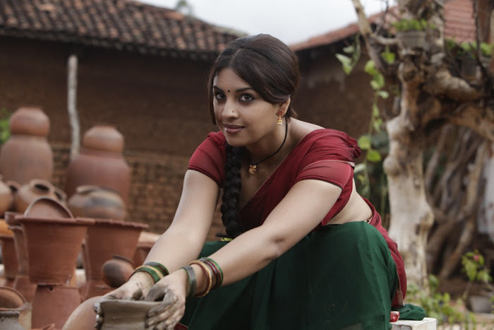 richa gangopadhyay saree from osthi movie unseen pics