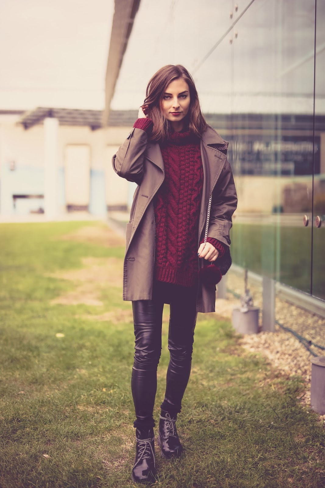 Outfit for rainy days, knitwear, burgundy, autumn, fall, chunky knit, leather pants, trousers, caterpillar boots, patent leather shoes, millitary coat, mango, zara, h&m, lipstick, style blog, fasion, ootd, lookof the day, street style, aw15