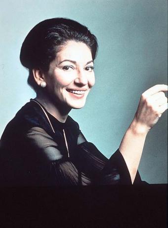 María Callas con linda sonrisa