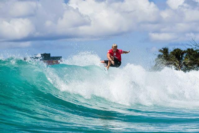 50 Quiksilver Pro Gold Coast 2015 Kolohe Andino Foto WSL Kelly Cestari